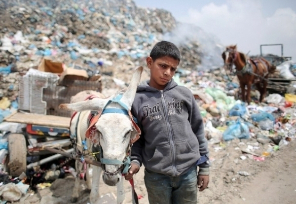 PALESTINIAN-GAZA-POLLUTION-DAILY LIFE